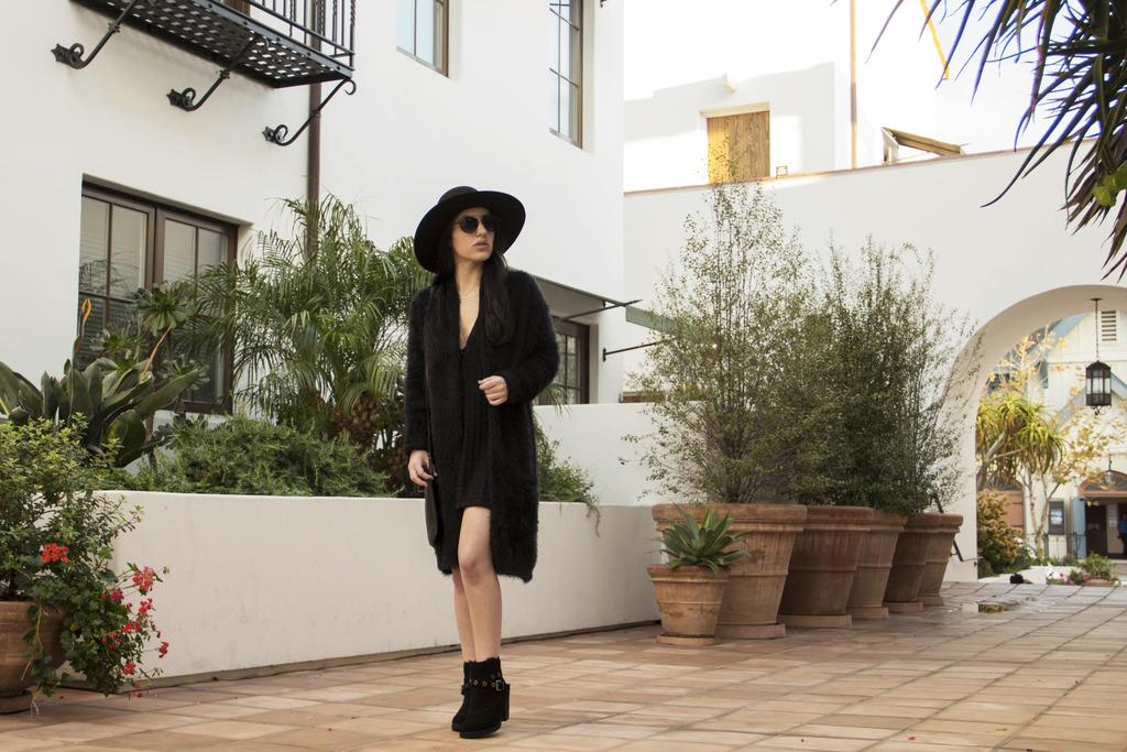 Velvet Dress Photoshoot 30 Revised zpsojpf8rr2 Styling: Cozy Travel Outfits