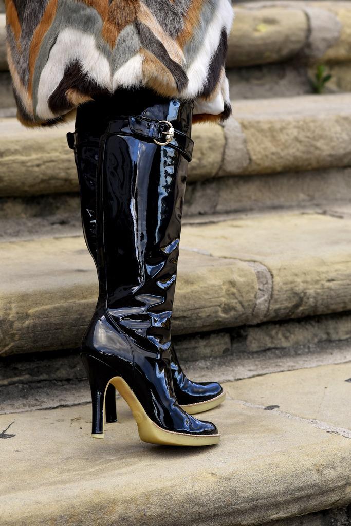 mission fur 139 zps5khekkfo Styling: Designer Trends, Gucci