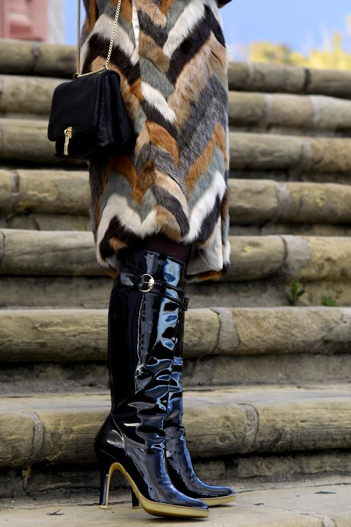 mission fur 152 zpsbglbngvq Styling: Designer Trends, Gucci