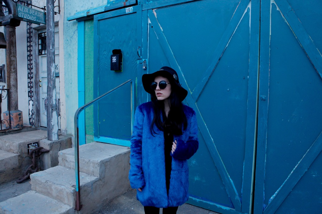best 3 zpsvxzuegt6 Closet Staples: Bold Color Coat