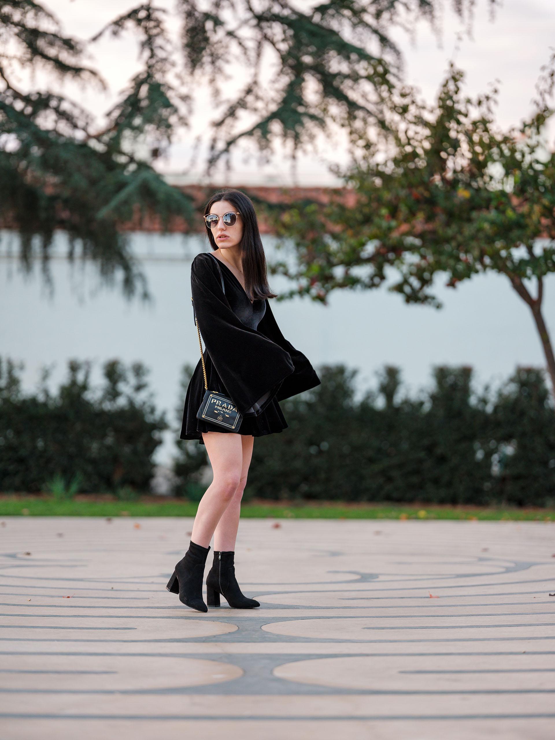 DSCF7113 small The Perfect Velvet Dress